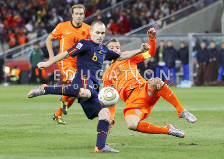 Andres Iniesta of Spain scores the winning goal during the 2010 FIFA World Cup South Africa Final match between Netherlands and Spain at Soccer City Stadium on July 11, 2010 in Johannesburg, South Africa.  (Photo by Lars Baron/Getty Images)