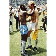 1970 Bobby Moore and Pele exchange shirts